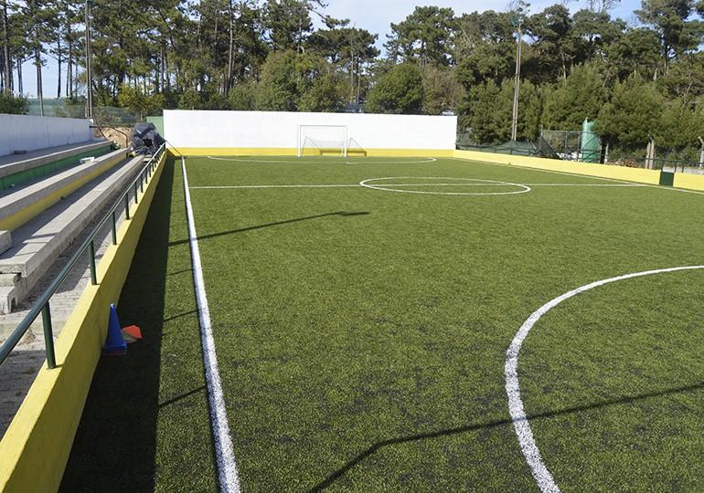 Campo de futsal, que também dá para futebol de 5